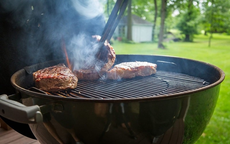 best-charcoal-grill-for-steaks