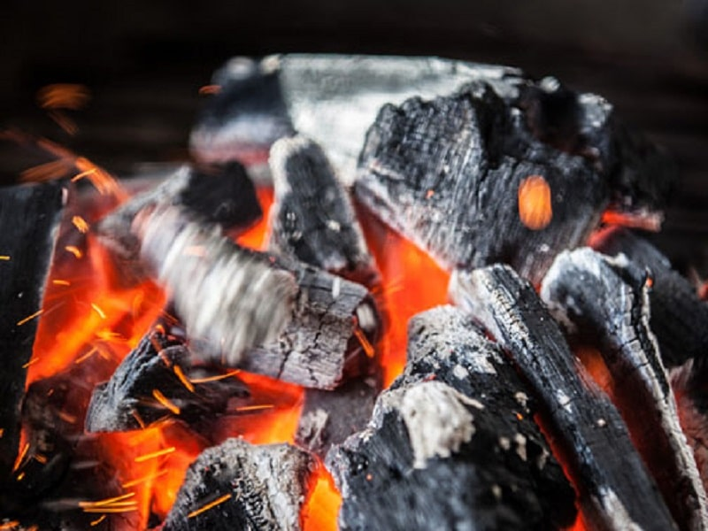 how-to-use-a-charcoal-grill-for-beginners