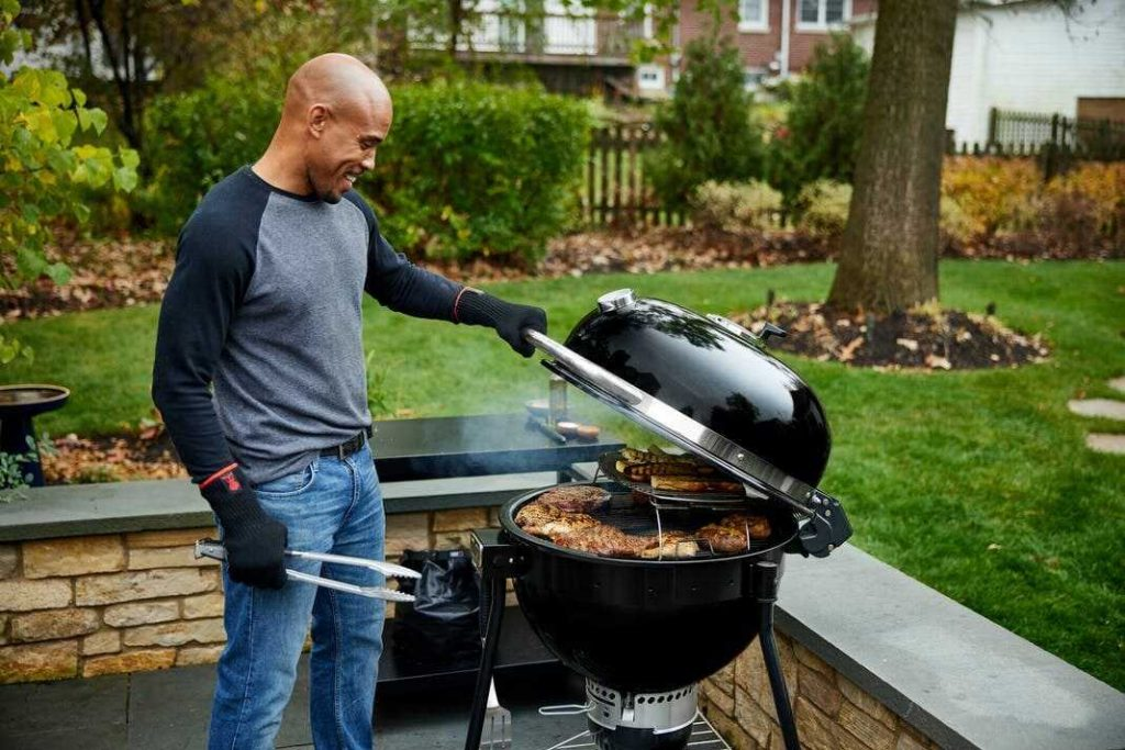 use-a-weber-charcoal-grill-properly