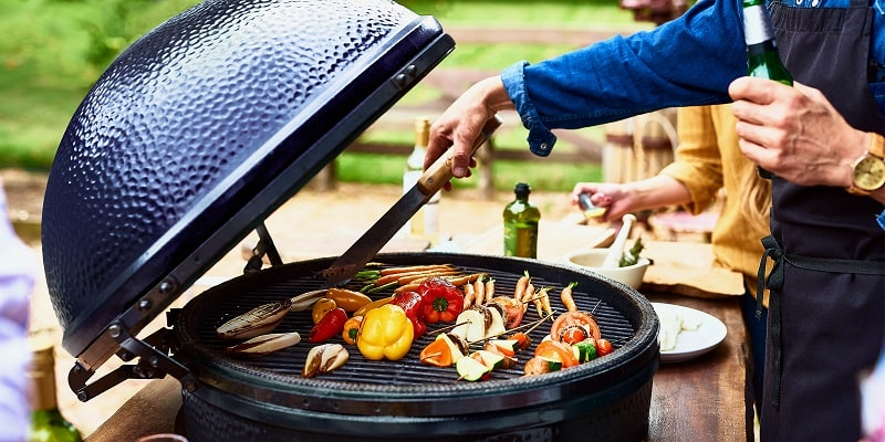 use-the-vent-on-the-charcoal-grill-properly